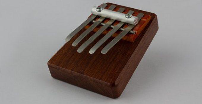 jouer de la kalimba